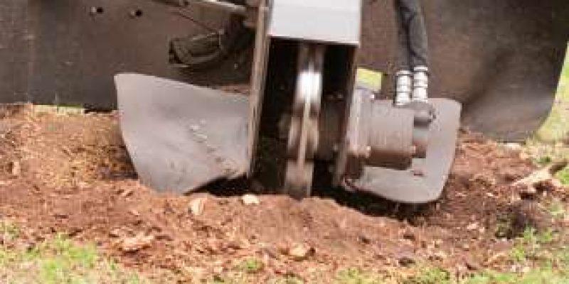 stump grining machine at work